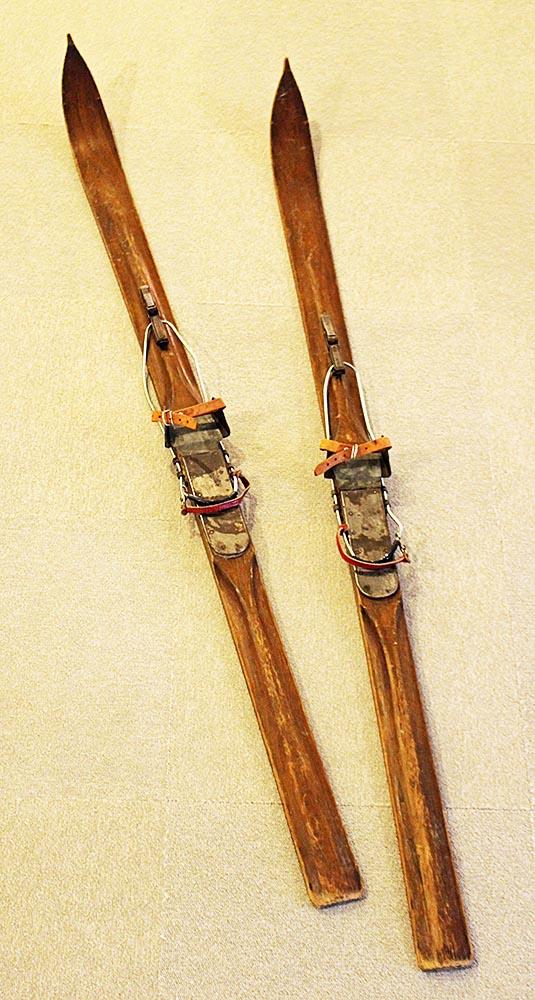 ふるさとの宝物 第177回 歴史展示室のスキー